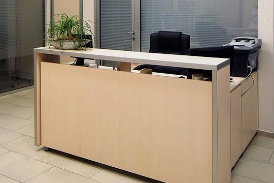 kancelarijski-namestaj-prijemni-pult-cekaonica-sekretarica